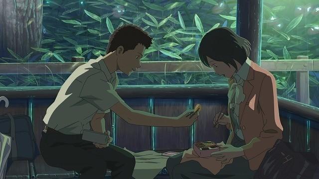 ユキノの弁当に箸をつけるタカオ