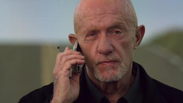 ネットフリックスオリジナルドラマ ベターコールソウル 電話を取るマイク
