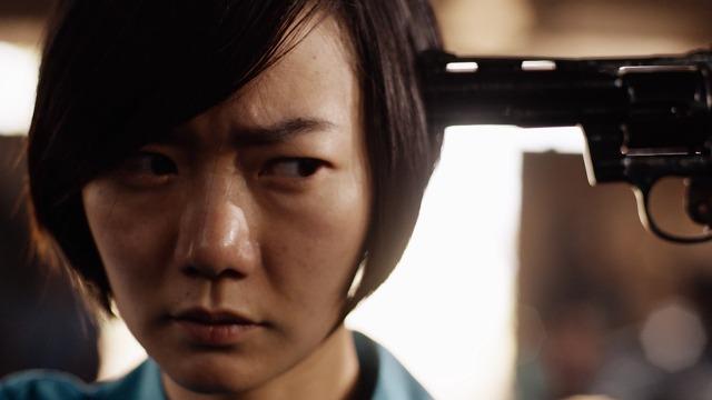 ネットフリックスオリジナルドラマ センス8 銃口を突き付けられるサン