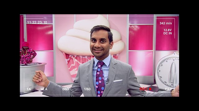 Netflixオリジナルシリーズおすすめランキング クラッシュカップケーキの司会をするデフ マスターオブゼロ