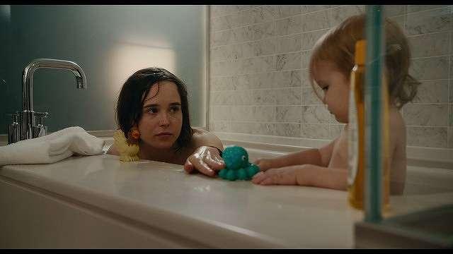 タルーラとマディソンお風呂