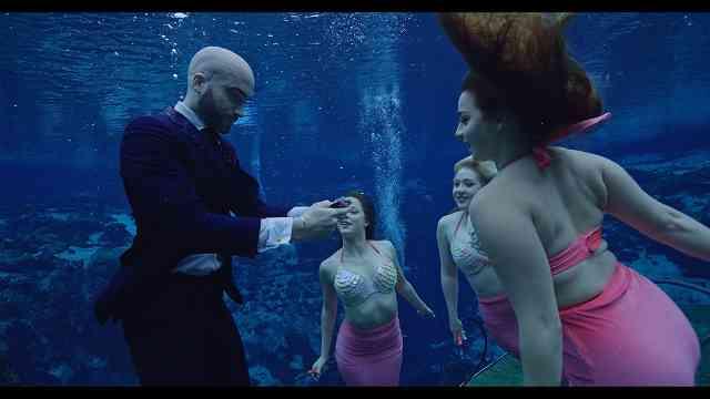 DMCのマジックと死 タイトル マイアミ水中に潜む死